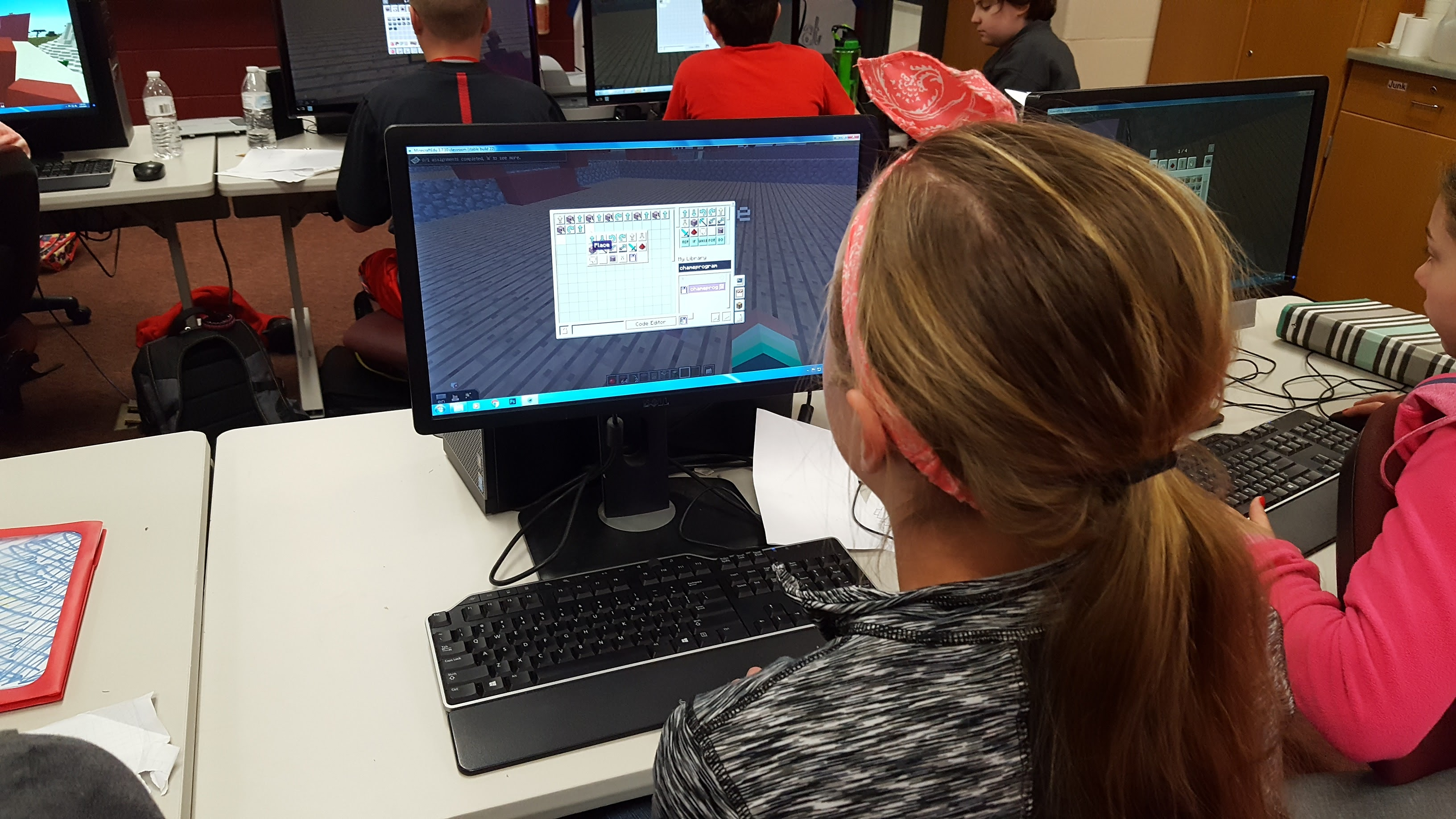 Using Minecraft to Teach Programming to 6th graders
